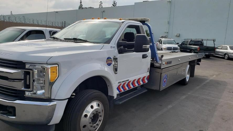 FORD F550 SD