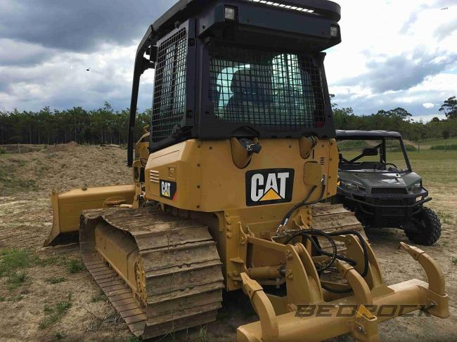 Screens and sweeps for CAT D5K D4K D3K Bulldozer