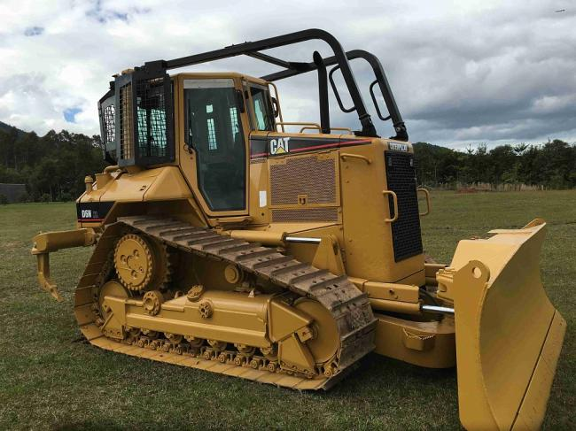 Screens and Sweeps fits CAT D6N Bulldozer
