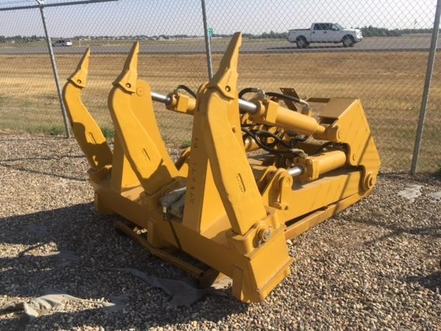 2020 HW Attachments D7R MS RIPPER 4 CYL