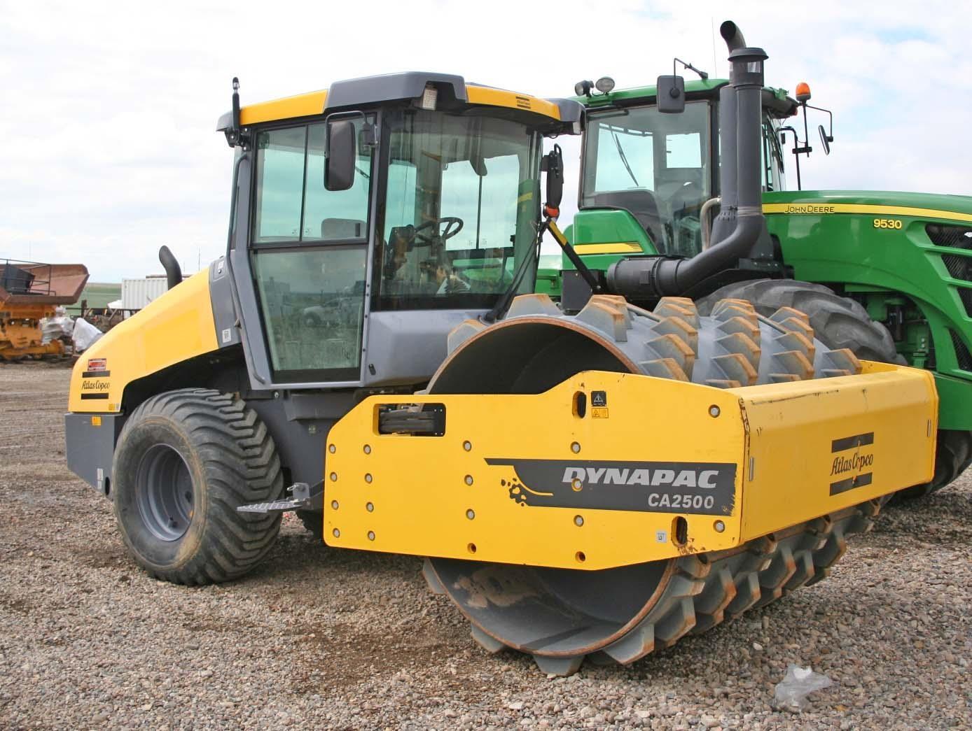 2015 DYNAPAC CA2500D