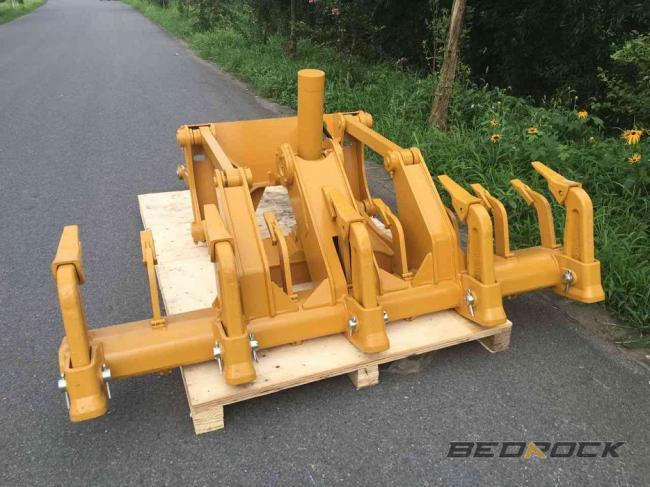 Ripper fits both 140G and 140H Motor Grader