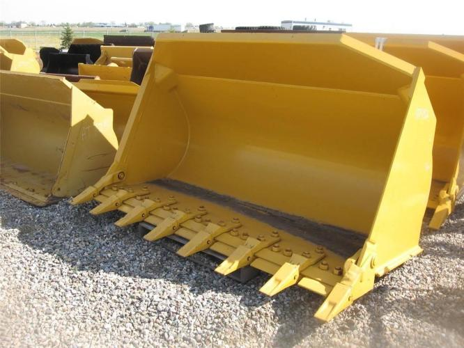 LIEBHERR 3.1 CU YD GP BUCKET W/TEETH