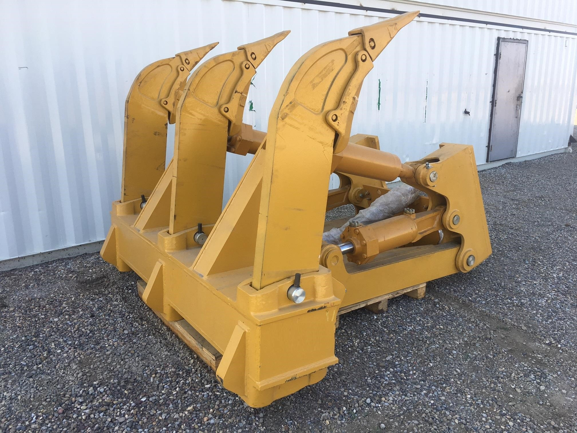 2020 HW Attachments D8 RIPPER