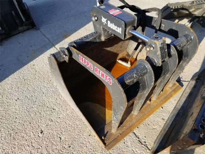 BOBCAT BUCKET GRAPPLE 36