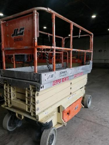 JLG 3246ES