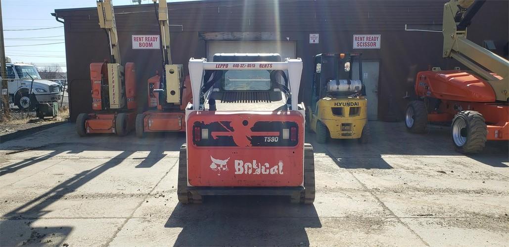 BOBCAT T590