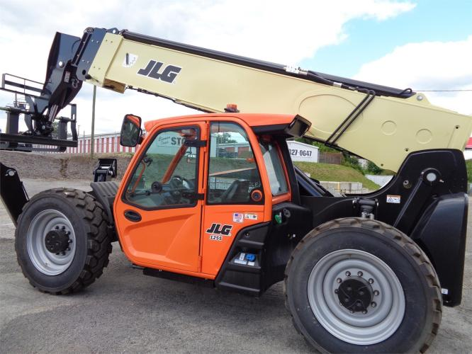 JLG 1255