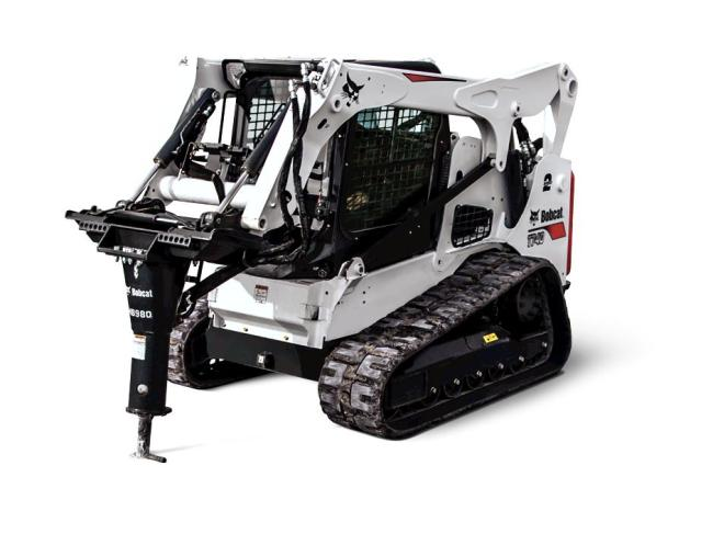 T740 Compact Track Loader