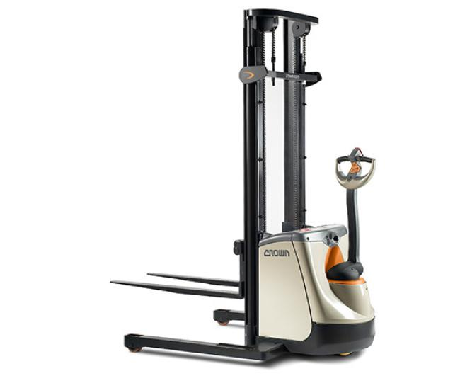 ST/SX Series Walkie Straddle Stackers