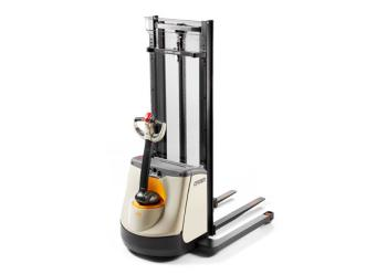 Crown M Series Walkie Straddle Stacker
