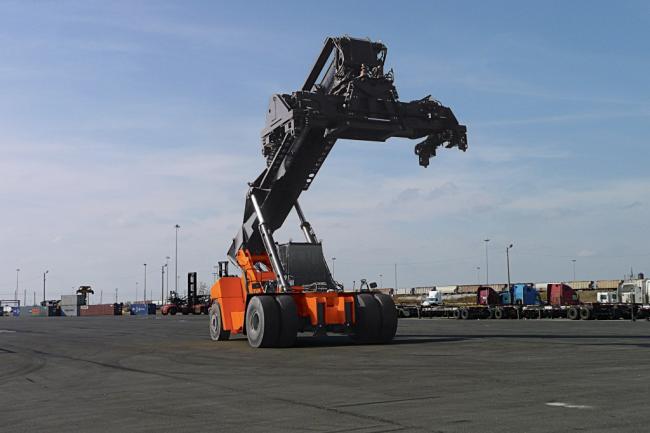 Reach Stacker Container Handler