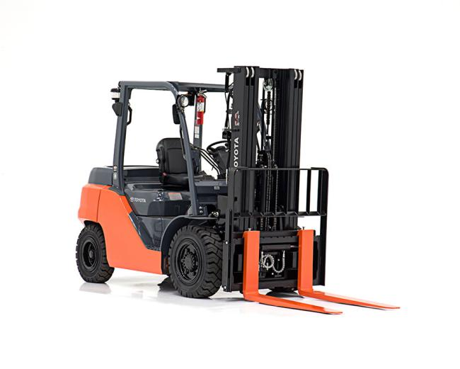 Mid IC Pneumatic Forklift (8,000-11,000 LBS)