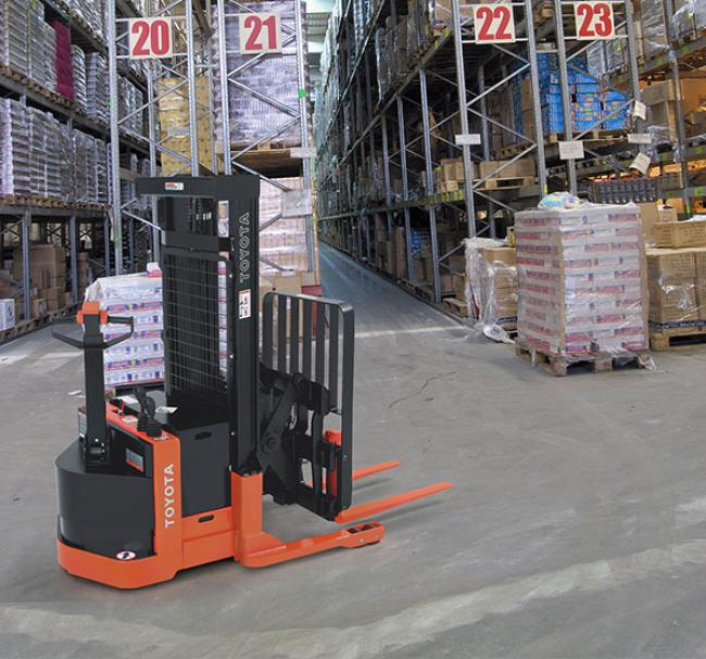 Walkie Reach Truck
