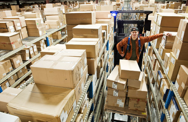 Electric High-Level Order Picker (3,000 LBS)