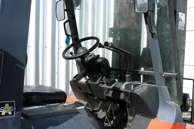 Toyota 7FGU45 Pneumatic Forklift
