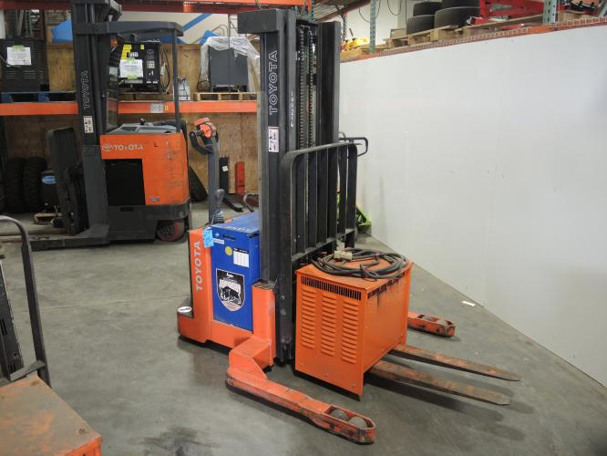 Toyota 6BWS20 Walkie Stacker
