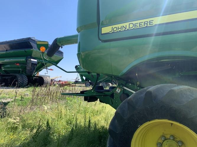 John Deere S790