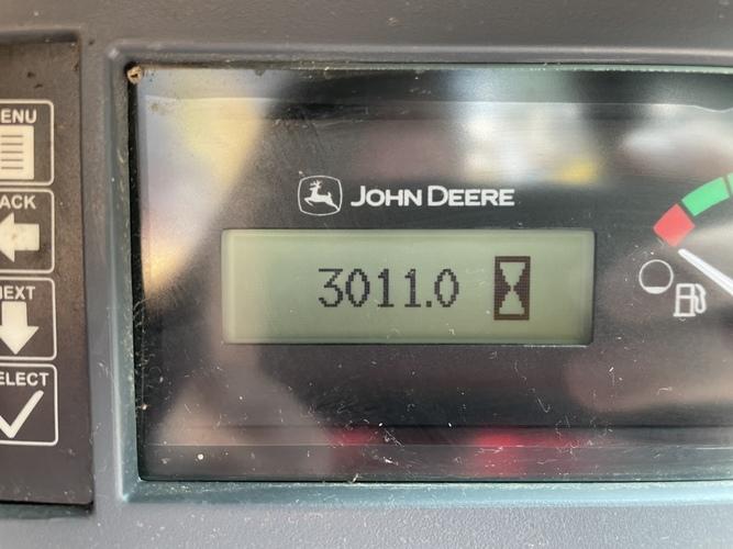 John Deere 318G