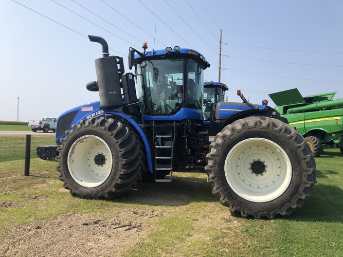 New Holland T9 565