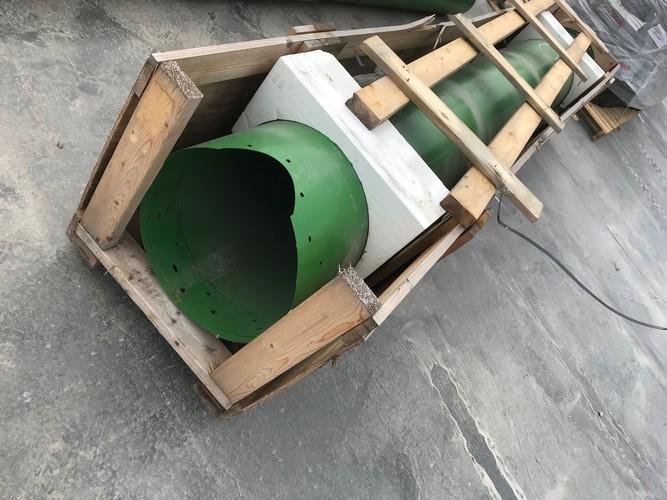 John Deere AXE68702 UNLOADING AUGER TUBE