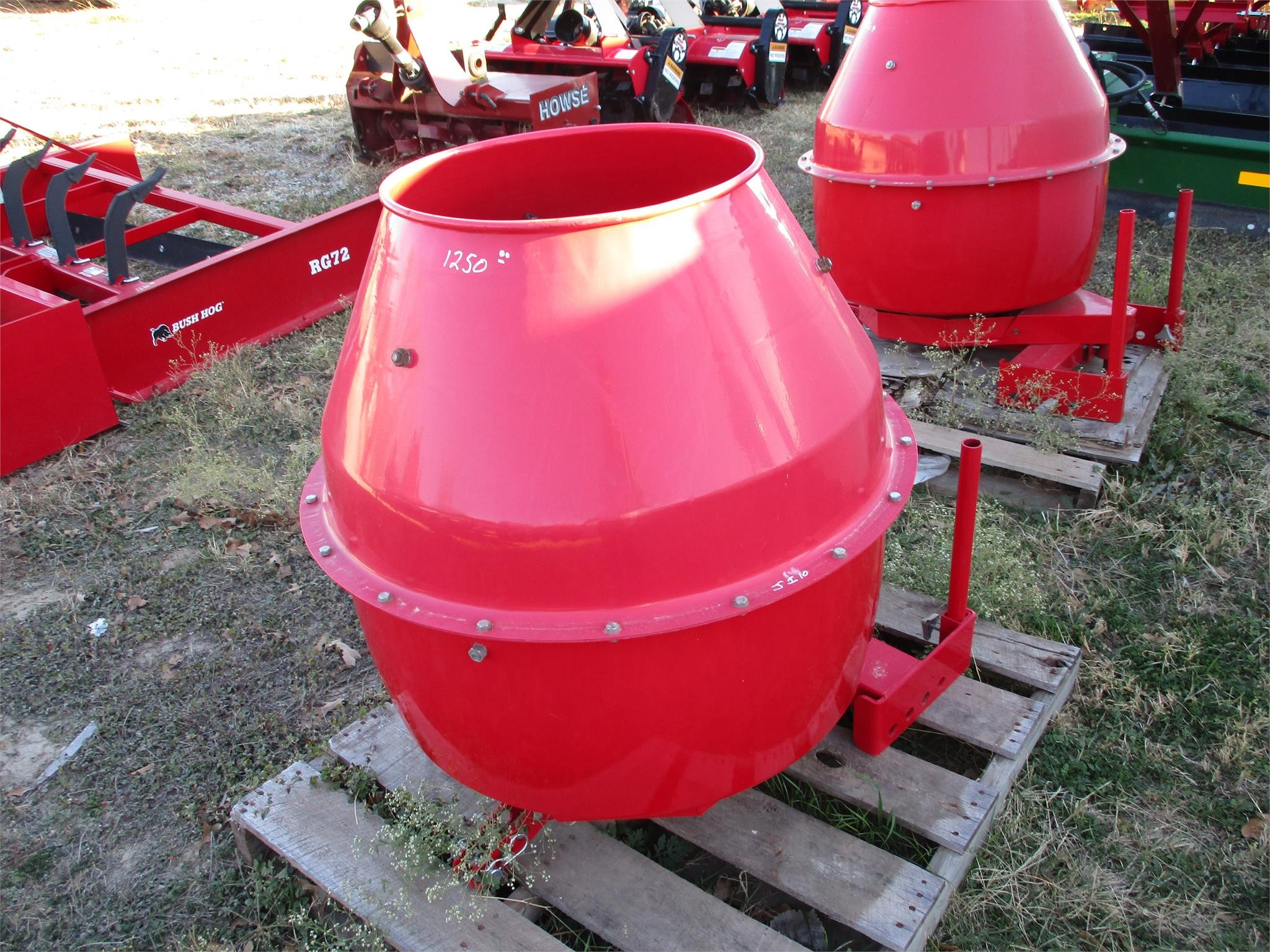 J & I 3 POINT CEMENT MIXER
